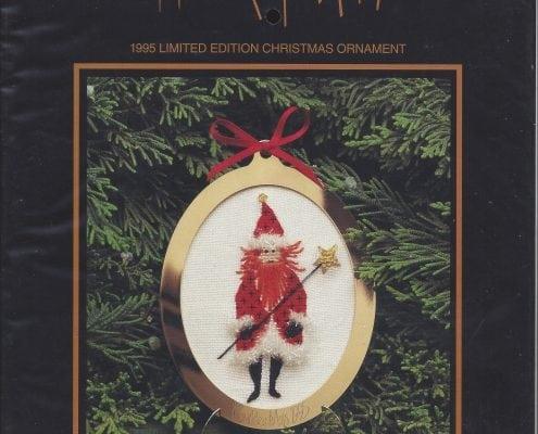 CountedCrossStitch-Christmas-Ornament-Pattern-KrisKringle-PBuckleyMoss