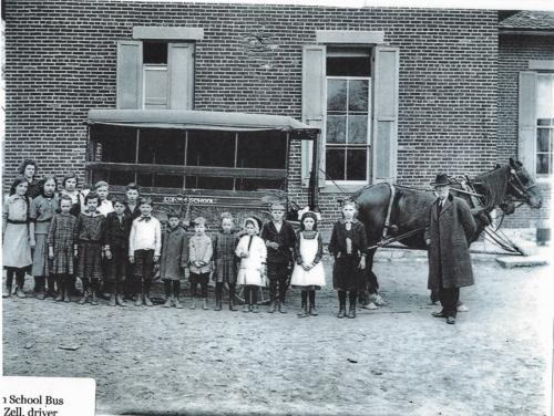 Students in the Waynesville OhioHorse are being transported to school by horse and carriage.