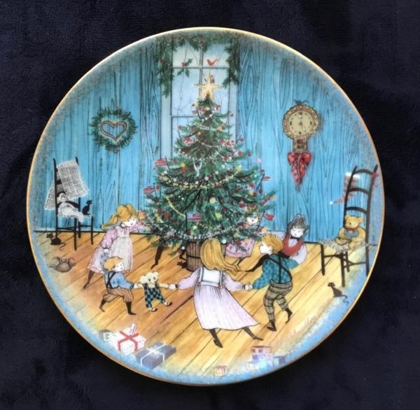 Christmas Joy limited edition plate by P Buckley Moss. Early edition in mint condition with box and certificate.